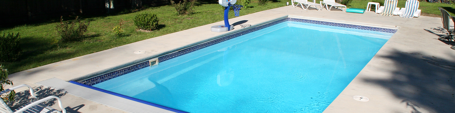 Rectangle fiberglass pools pro edge pools for Above ground fiberglass pools